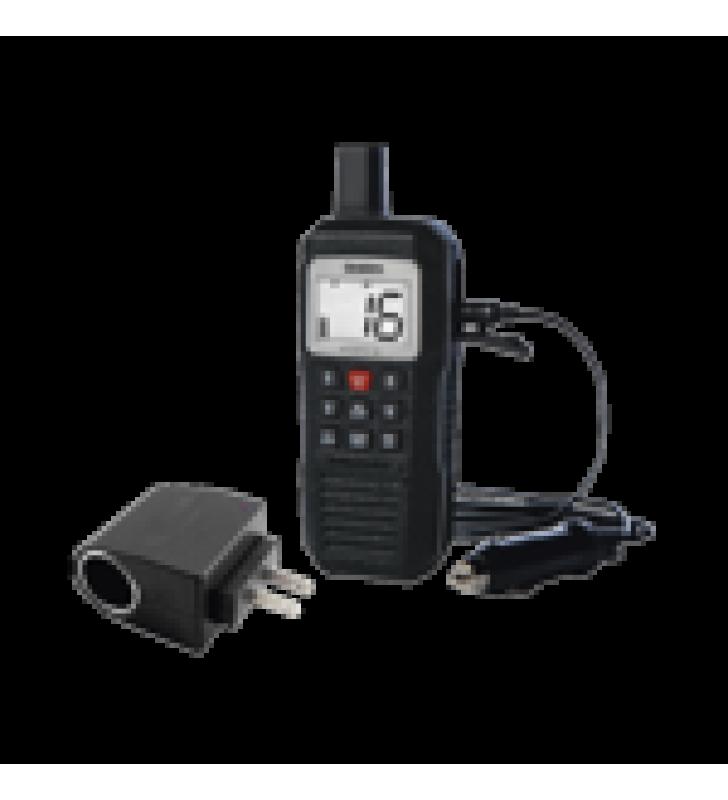 RADIO MARINO PORTATIL VHF, FLOTANTE Y SUMERGIBLE. INCLUYE CONVERTIDOR CON ENTRADA TIPO ENCENDEDOR, DE 110-220 VCA A 12 VCD.