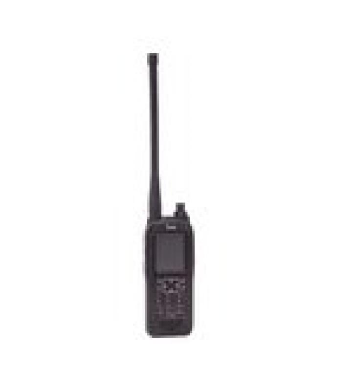 RADIO PORTATIL AEREO VHF CON DISPLAY DE 2.3 PULGADAS Y TECLADO, 6W (PEP) DE POTENCIA.