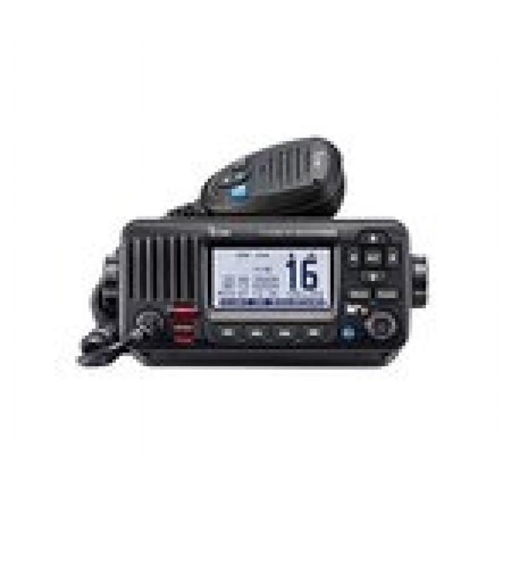 RADIO MOVIL MARINO, COLOR NEGRO, 25W, TX:156.025-157.425MHZ, RX:156.050-163.275MHZ, CON GPS INTERCONSTRUIDO, PANTALLA DE MATRIZ DE PUNTOS DE FONDO BLANCO, CAPACIDAD DE LLAMADA SELECTIVA DSC, CANALES CAN,USA,INT INCLUYE: MICROFONO, CABLE DE ALIM..